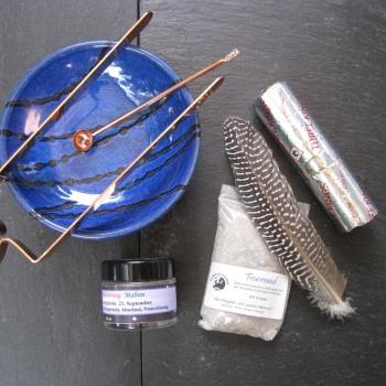 Räucherset mit Zubehör & Räuchermischung