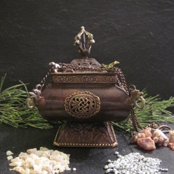 Wunderschönes Tempel- Räuchergefäß zum schwenken