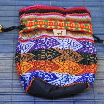 Peruanische Handwerkskunst, Umhängetäschchen