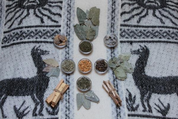 Räucher-Raritäten: Hölzer, Kräuter und Harze aus Peru Räuchern